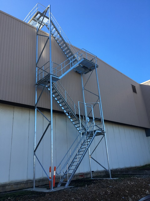 Roof Scaffolding Products : Roof access stairs flat ladder manual